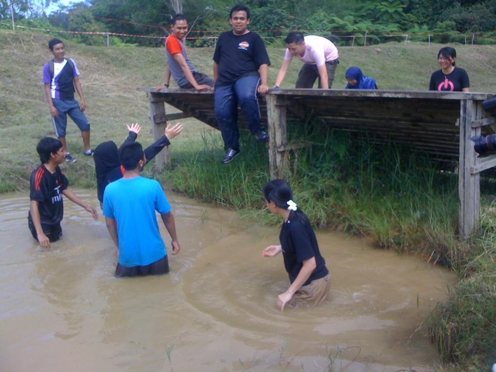 #MSS2011 Rasakan Obstacle Training